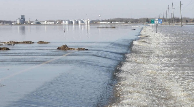 Flume research simulates Red River flooding to test road protections