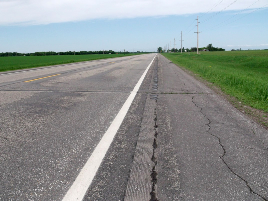 A California-style sinusoidal rumble strip, installed along a Polk County Highway.