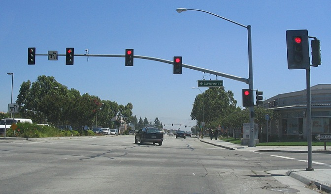 Using SMART-Signal Data to Predict Red Light Running at Intersections