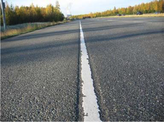 Using a National Database to Develop Performance Metrics for Local Pavement Markings