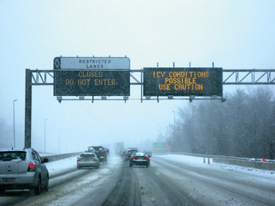 Real-time sign that warns of icy conditions possible