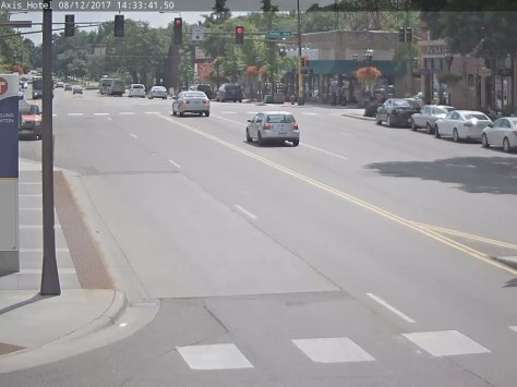 Traffic moves on northbound Snelling Avenue at Dayton in this image taken from the video analysis.